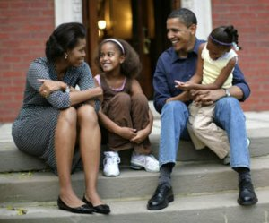 obama-family-at-home