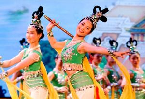 chinese dancers