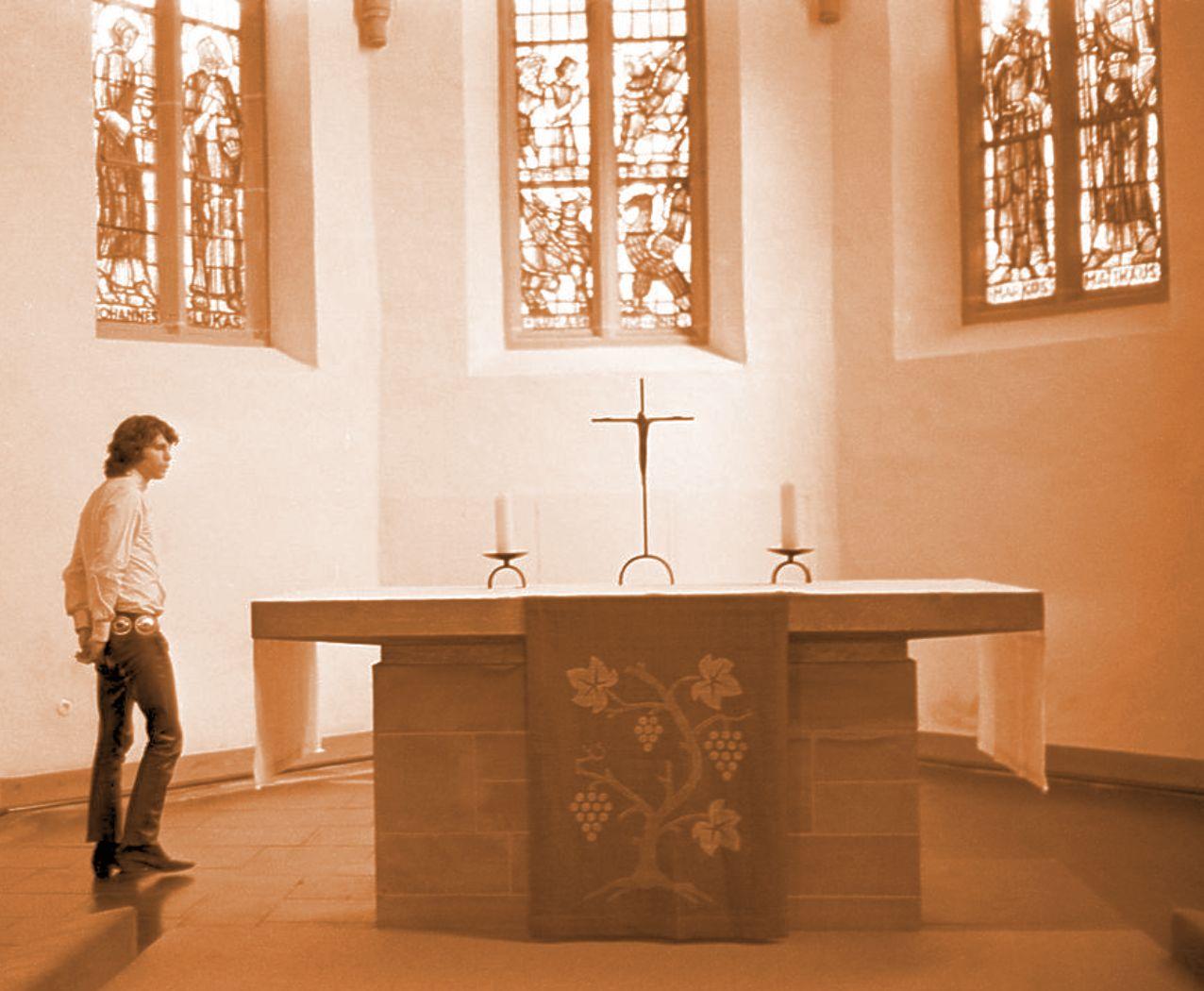 http://hiphappy.files.wordpress.com/2009/08/new-jim-inside-a-church.jpg
