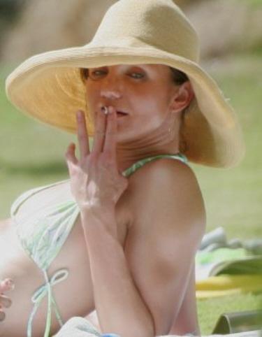 Cameron diaz smoking nude — 1